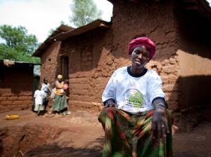 Mulher com camiseta da PSI | Imagem de divulgação