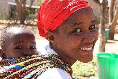 Mulhere beneficiada pela Fistula Foundation