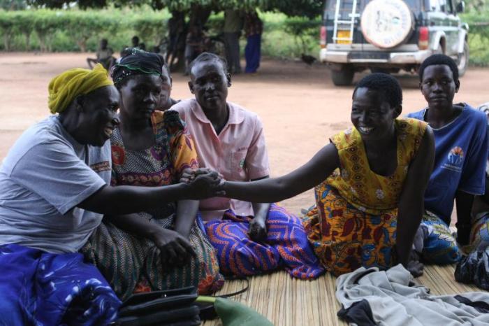 Mulheres recebem tratamento para lesões do parto nas instalações médicas da Fistula Foundation no Uganda. (Crédito da fotografia: Fistula Foundation)